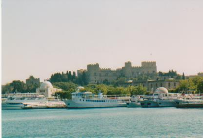 Rodos harbor and Palace of the Master 001